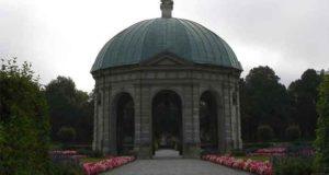 Der Tote im Hofgarten
